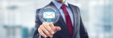 Email pec posta impresa commercio contatti riferimenti 380 ant fotolia 81589357