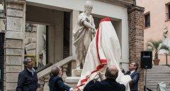 Scoprimento della statua della Vecchia Padova 240 ant